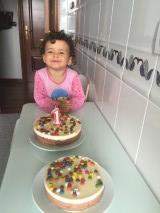 Little Mayor encantada con las tartas!